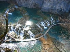 Plitvice_Lakes,_Barrier_between_Gavanovac_and_Kaluderovac