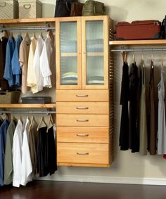 Grand Closet With Floating Organizer