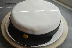 Kirsin keittiössä: YO-lakkikakku Cake, Desserts, Food, Tailgate Desserts, Deserts, Kuchen, Essen, Postres, Meals