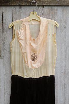 1920s art deco silk flapper dress