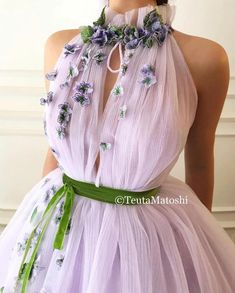 Details - Lavender dress color - Plesir dress fabric - Handmade embroidered TMD green and violette flowers - Green velvet ribbon - Ball-gown with waist definition and flowery neck - For parties and special events Evening Dresses, Prom Dresses, Formal Dresses, Wedding Dresses, Elegant Dresses, Pretty Dresses, Lavender Dresses, Beautiful Gowns, Ladies Dress Design