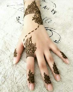 1000 Latest Simple Henna Tattoos Designs for Girl. New henna tattoo designs images collection with simple pattern and easy to draw on hand for girl Henna Flower Designs, Henna Tattoo Designs Simple, Finger Henna Designs, Henna Art Designs, Mehndi Designs For Girls, Unique Mehndi Designs, Mehndi Simple, Mehndi Designs For Fingers, Latest Mehndi Designs