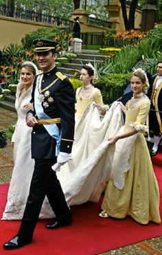Princess of Asturias Letizia Ortiz and the Spanish Crown Prince Felipe as they leave the Basilica of Atocha after their wedding in Madrid on 22 May 2004