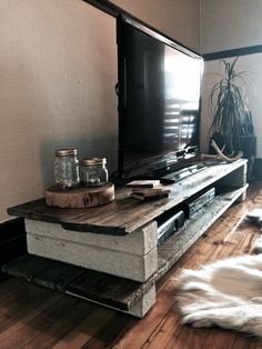 Reasonably priced DIY TV Stand Concepts You Can Construct In a Weekend - Home to. - Reasonably priced DIY TV Stand Concepts You Can Construct In a Weekend – Home to Z - Tv Furniture, Small Furniture, Pallet Furniture, Cinder Block Furniture, Furniture Design, Tv Diy, Tv Cabinet Design, Diy Tv Stand, Simple Tv Stand