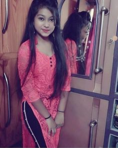 Dpz for girls Cute Beauty, Beauty Full Girl, Beauty Women, Girls Dp Stylish, Stylish Girl Images, Beautiful Girl Photo, Beautiful Girl Indian, Cute Girl Pic, Cool Girl