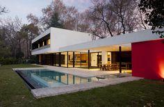 Architects: Enrique Barberis Location: Pilar, Buenos Aires Province, Argentina Co Author: Guido Piaggio Site Area: 1,400 sqm Area: 350 sqm Year: 2013 Photographs: Alejandro Peral