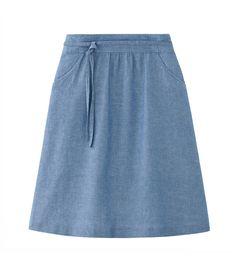 A.P.C. Women Bellona Skirt. Italian linen-cotton blend chambray. Flared cut. Rather high waist.