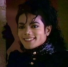 Image discovered by Pamela Jackson. Find images and videos about cute, smile and michael jackson on We Heart It - the app to get lost in what you love. Michael Jackson Images, Michael Jackson Bad Era, Janet Jackson Velvet Rope, Beautiful Smile, Most Beautiful, Gary Indiana, Joseph, King Of Music, My Idol