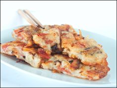 KitchenTigress: No-Steam Chinese Turnip/Radish Cake – Lor Bak Ko Chili Recipes, Shrimp Recipes, Pork Recipes, Asian Recipes, Chicken Recipes, Ethnic Recipes, Savoury Pancake Recipe, Savory Pancakes, Savoury Cake