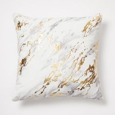 Cool and cozy, this marble pillow now has metallic foil sweeping through the front. Reversing to a non-metallic marble on the back, this pillow is the ultimate accent piece for those looking to master a contemporary vibe. Marble Room Decor, Marble Bedroom, Gold Bedroom Decor, Teen Room Decor, Gold Bedroom Accents, Bedroom Ideas, Teen Bedroom, Bedroom Colors, Dream Bedroom