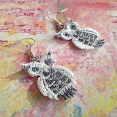 Owl crazy No. 1 - vyšívané náušnice