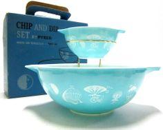 Vintage Pyrex ChipDip Set 395M White Hot Air Balloons on Turquoise w/Hanger+Box