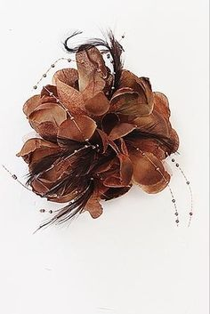 """Add a sweet feminine touch with this trendy fashionable flower hair piece.  Length: 5.5""""   Imported"""