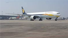 In awe of my looks wink emoticon Waiting to take off and touch the sky!  #FanOGraphy by Akash Lakhanpal