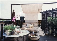 Easy Budget-Friendly Ideas To Make A Dream Patio balkon - Sonnensegelbalkon - Sonnensegel Outdoor Rooms, Outdoor Living, Outdoor Decor, Outdoor Bedroom, Outdoor Areas, Exterior Design, Interior And Exterior, Rooftop Lounge, Outdoor Lounge