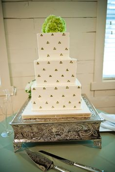 Green Polka Dot Cake | Simon Lee Bakery | Palm Door | CMI Photography | Pearl Events Austin