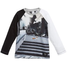 Boys long sleeve Molo t-shirt made in a soft cotton jersey.The front has a cool skateboard print and the back is a solid grey.It has a round ribbed grey neck and thesleeves are in ivory and black.<br /> <br /> <b>Model:</b><i>Height</i>130 cm<br /> <i>Size of top shown in the photo:</i>5-6 years<br /> <ul> <li>100% cotton (soft cotton jersey)</li> <li>Machine wash (40*C)</li> <li>Designer colour: City skate</li> <li>Style name: Roger</li> <li>Not available...
