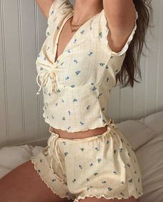 yellow two piece comfy wear Cute Casual Outfits, Summer Outfits, Black Outfits, Casual Clothes, Girly Outfits, Summer Dresses, Mode Outfits, Fashion Outfits, Modest Fashion