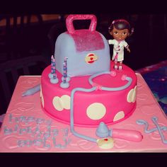 Doc mcstuffins cake Kori would love this 3rd Birthday Parties, 2nd Birthday, Birthday Ideas, Birthday Cakes, Cupcakes, Cupcake Cakes, Doc Mcstuffins Birthday Cake, Cake Pops, Different Cakes