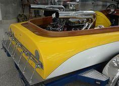 Baron Boats built fiberglass versions of Hallett Boats. Casale split case vee drive runs the prop 15% faster than the engine