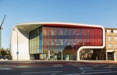 1-2-the-Curve-cultural-centre-Slough-England-Bblur-Architecture-exterior-creative-modern-architecture-public-libary-exhibition-halls_cr.jpg (900×577)