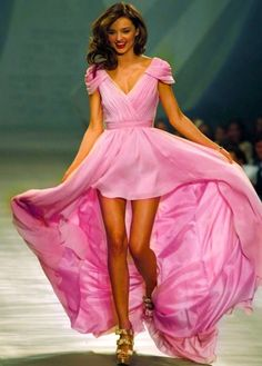Oh Miranda Kerr, I want to be you. And also have that dress #perfection