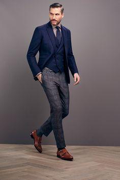 6aec36e49197 Quelles sont les marques de costume à connaître   Costard HommeHomme ÉlégantVeste  HommeAccessoire HommeMode ...