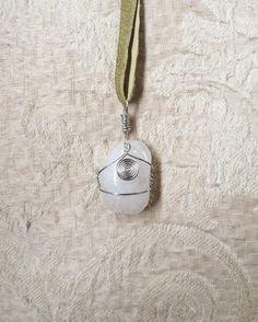 Ein persönlicher Favorit aus meinem Etsy-Shop https://www.etsy.com/de/listing/477547062/clear-quartz-necklace