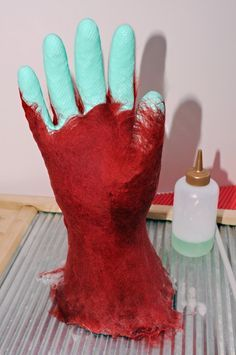 Tutorial on making felted gloves using marigolds aka kitchen gloves. Lots of other great tutorials on this site.
