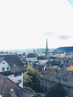 iZurich Zürich Limmat Lindenhof Polyterrasse Sechsilüteplatz Opernhaus Rennweg Paris Skyline, Travel, Patio, Opera House, Trips, Viajes, Traveling, Outdoor Travel, Tourism