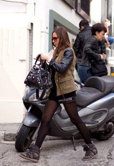 sabel Marant Betty Low-top. Isabel marant est un designer France qui a obtenu une grande réputation dans le monde de la mode.
