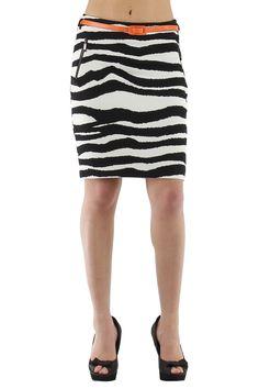 Falda corta midi a las rodillas con animal print Condición:  Nuevo Composición 97% poliéster, 3% Spandex Categoría faldas y pantalones cortos Paquetes 6 unidades Los paquetes de color Tamaño : S, M, L De color Blanco / negro Mayoristas de ropa faldas al por mayor: http://intueriecommerce.com/es/