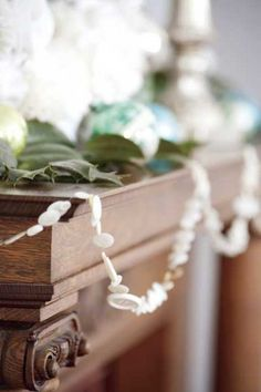 This button garland adds a touch of vintage flair to holiday decor. Photo: Ira Garber