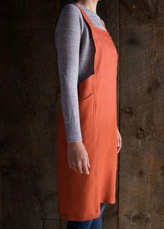 http://www.purlsoho.com/create/2015/11/20/linen-cross-back-apron/?utm_source=Sailthru