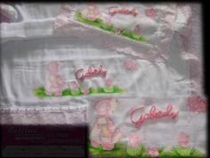 Kit de fraldas personalizado para sua princesinha arrasar.