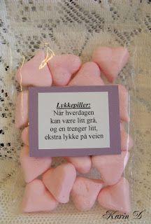 Førstehjelp for ekteskapet Couple Presents, Last Minute Christmas Gifts, Survival Kit, Best Gifts, Birthday, Cards, Diy, Inspiration, Scrapbooking