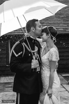 Rainy wedding at Blackstock Barn in Sussex by Anna Pumer Photography www.annapumerphotography.com