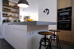 www.lifs.nl #lifs #interior #interiordesign #interieuradvies #ontwerp #3D #kleuradvies #lichtplan Table, Contemporary Kitchen, Furniture, New Homes, House, Kitchen, Modern, Interior Design, Home Decor