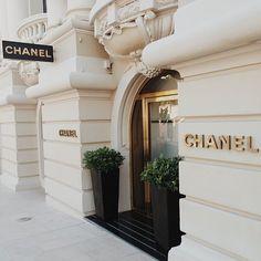 d8mart.com LuxuryLifestyle BillionaireLifesyle Millionaire Rich Motivation... #BillionaireLifesyle #Classic #LuxuryLifestyle #Millionaire