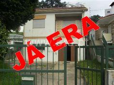 Moradia T3 / Paredes, Sobreira - Moradia V3. Varanda. Terraço. Jardim. Centro da Sobreira. Junto a transportes, comércio e serviços. A 1 min. da estação. A 4 min. da A4, A41 e CREP.