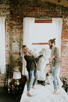 See all the magical pillow fight shots in the photo session | Image by Vic Bonvinci Photography