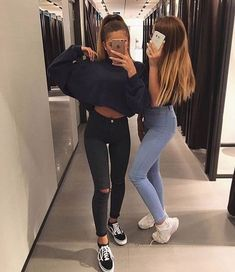 15 Selfies to take with your best 'maifren' - 15 Selfies to take with your best 'maifren' - Photos Bff, Best Friend Pictures, Bff Pictures, Friend Tumblr, Best Friend Photography, Foto Casual, Shooting Photo, Best Friend Goals, Best Friends Forever