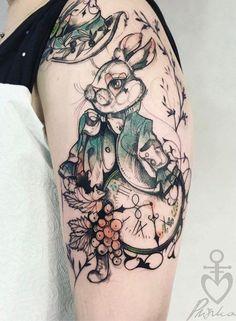 Alice in Wonderland - White Rabbit tatoo / Tatouage lapin blanc - Alice qu Pays des Merveilles. Ink Tattoo, Piercing Tattoo, Body Art Tattoos, Piercings, Sleeve Tattoos, Yakuza Tattoo, Kunst Tattoos, Neue Tattoos, Boys With Tattoos