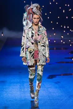 Marc Jacobs - Where to begin with a show with this many covetable items? This mod beaded coat is a good start.