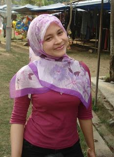 Gadis Melayu Bertudung Awek Tetek Besar Senyuman Manis