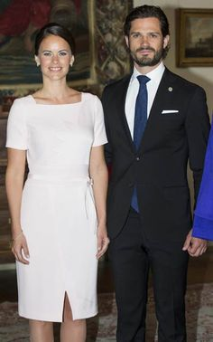 The Swedish Royal Family, (including Sofia, who is attending her first state visit) welcomed the Indian President at Arlanda Airport. The president is on a state visit to Sweden for three days.