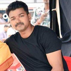 Ilayathalapathy Vijay is teaming up with director Atlee for a new film (Vijay and the makers have completed 70 percent of the shoot alread Actor Picture, Actor Photo, Ilayathalapathy Vijay, New Look, That Look, Vijay Actor, Hunks Men, Amy Jackson, Cute Actors