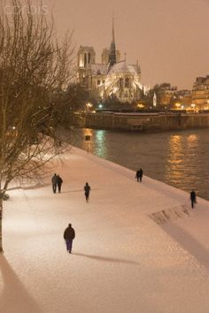 Paris quai de la Tournelleand Notre dame cathedral under the snow - - Rights Managed - Stock Photo - Corbis Oh Paris, Paris Love, Paris City, Paris Snow, Oh The Places You'll Go, Places To Travel, Places To Visit, Paris Ville, Jolie Photo