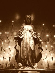 Blessed Virgin Mary statue at St. James Cathedral - look familiar, Mama Mary, Mary I, Holy Mary, Divine Mother, Blessed Mother Mary, Blessed Virgin Mary, Religious Icons, Religious Art, Madonna