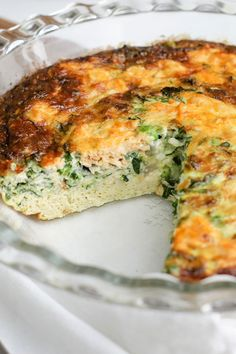 Easy Healthy Crustless Quiche - Healty fitness home cleaning Quiche Recipes, Egg Recipes, Salmon Recipes, Fish Recipes, Seafood Recipes, Vegetarian Recipes, Dinner Recipes, Cooking Recipes, Healthy Recipes